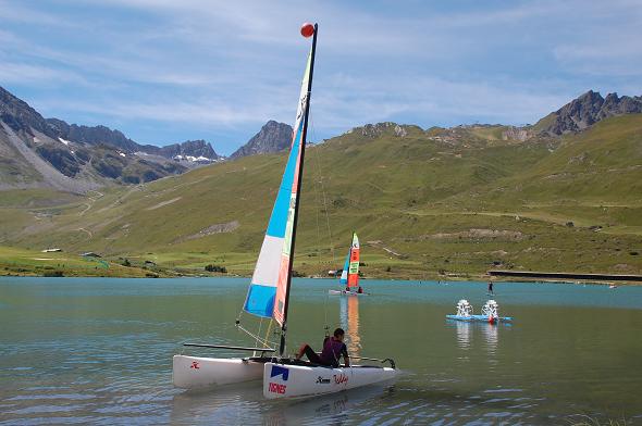 Sailing a catamaran in Tignes lake