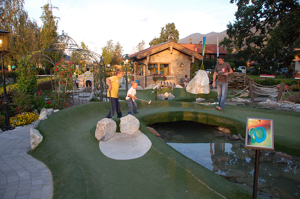 One final round of mini-golf